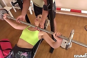 Gym dear one threesome makes Selvaggia cum during hardcore writing penetration