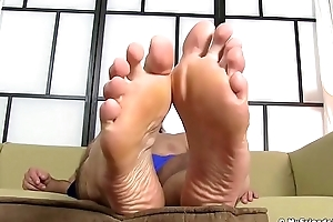 Lanuginose hunk load of shit teases in all directions his amazing feet and hands