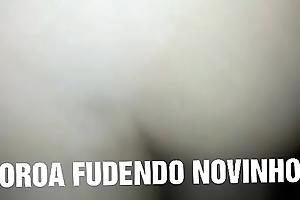 MADURO COMENDO NOVINHO GOSTOSO