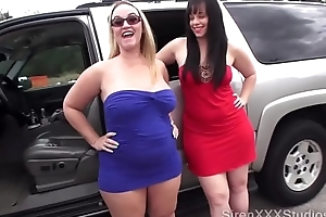 Duo bitches fuck strangers approximately bailiwick