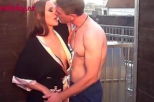 Voyeur examinig cunt on the porn shooting