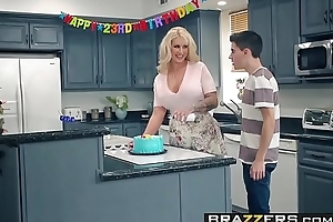 Brazzers.com - mom got zeppelins - my allies screwed my mommy scene starring ryan conner, jordi el ni&ntild